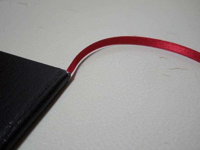 無印良品の「手のひらサイズポケットノート」(無印野帳)に栞紐を付けてみる